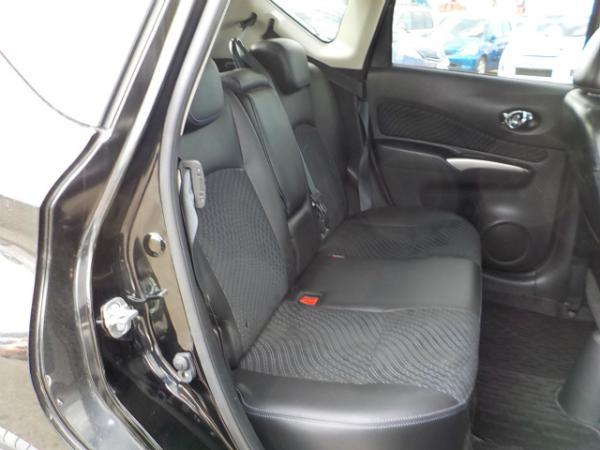 Nissan Note 2013 задние сидения