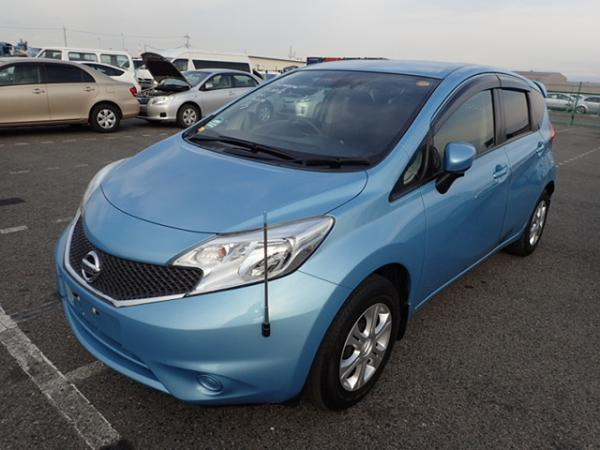 Nissan Note 2015 голубой