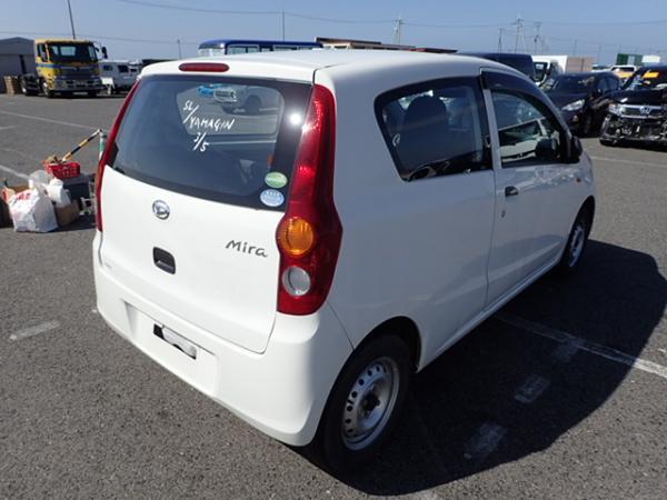 Daihatsu Mira 2013 белый зад