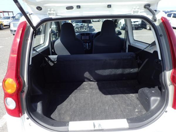 Daihatsu Mira 2013 белый багажник