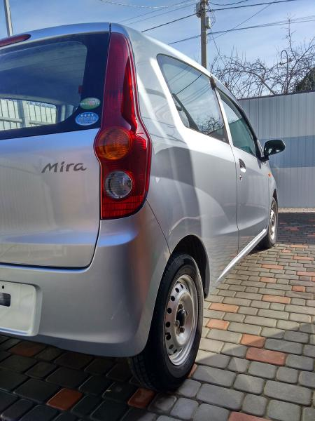 Daihatsu Mira 2013 серый задняя фара