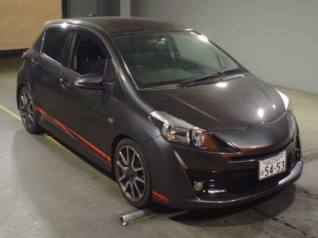 Toyota Vitz 1.5 RS