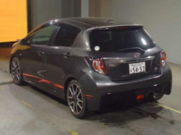 Toyota Vitz 1.5 япония