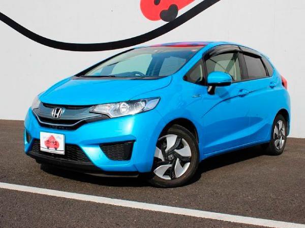 купить honda fit 1.5F hybrid 2015г
