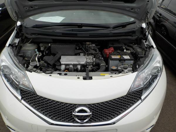 Nissan Note 2015 белый двигатель