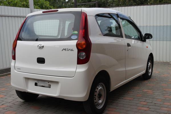 Daihatsu Mira 2014 белый зад