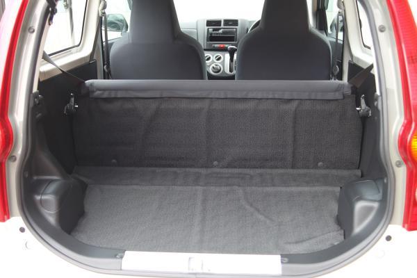 Daihatsu Mira 2014 белый багажник