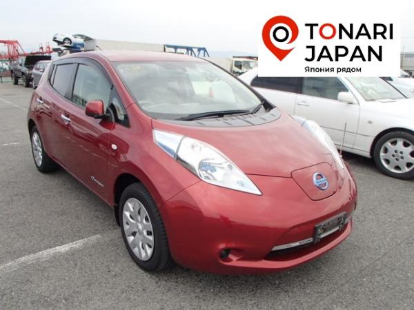 Nissan Leaf 2013 красный