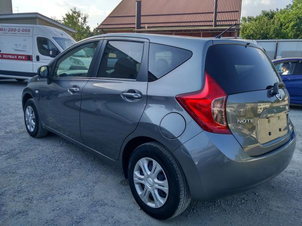 Nissan Note 2014 серый сзади