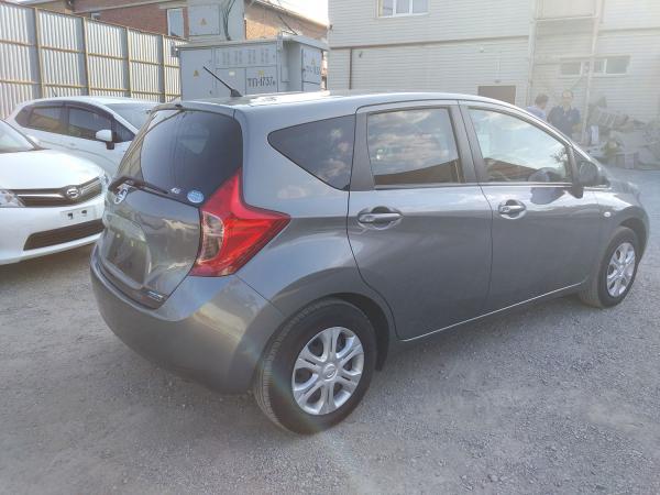 Nissan Note 2014 серый зад