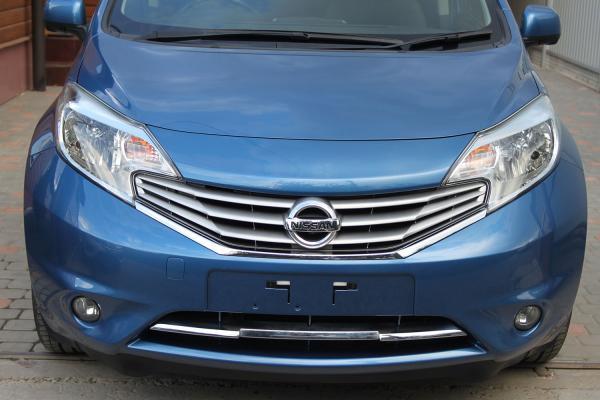 Nissan Note 2014 голубой спереди