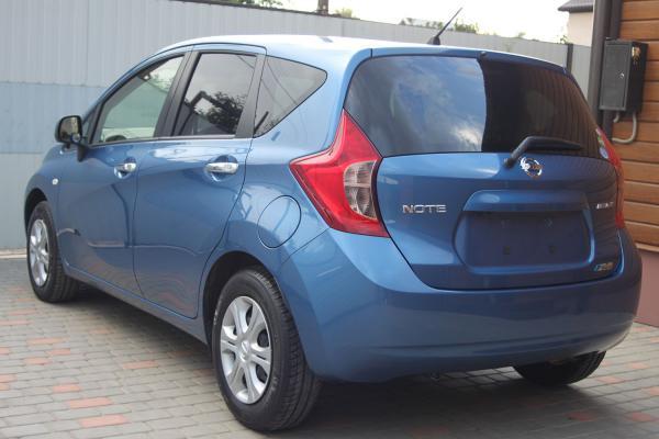 Nissan Note 2014 голубой сзади