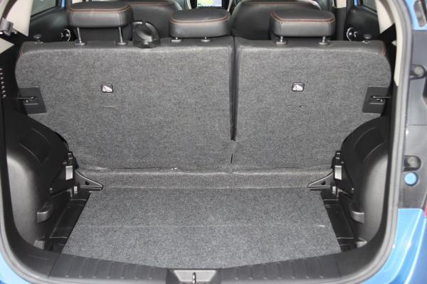 Nissan Note 2014 голубой багажник