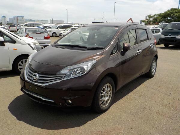 Nissan Note коричневый