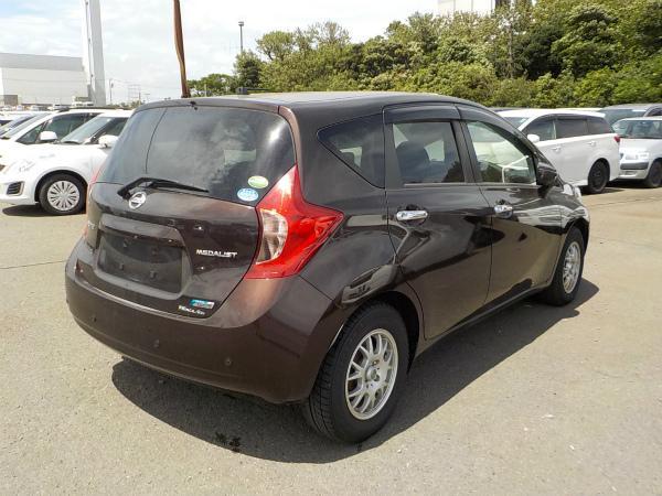 Nissan Note 2014 коричневый сзади