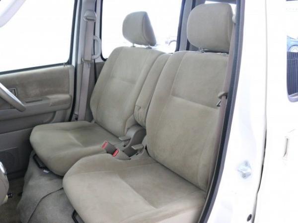 Daihatsu Atrai 2015 передние сидения