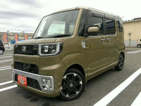 Daihatsu Wake 2015 жёлтый