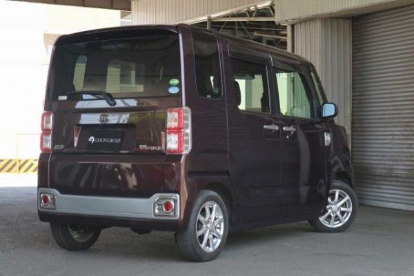 Daihatsu Wake 2015 коричневый сзади
