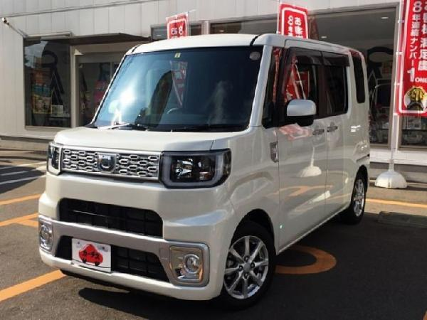 Daihatsu Wake 2015 белый