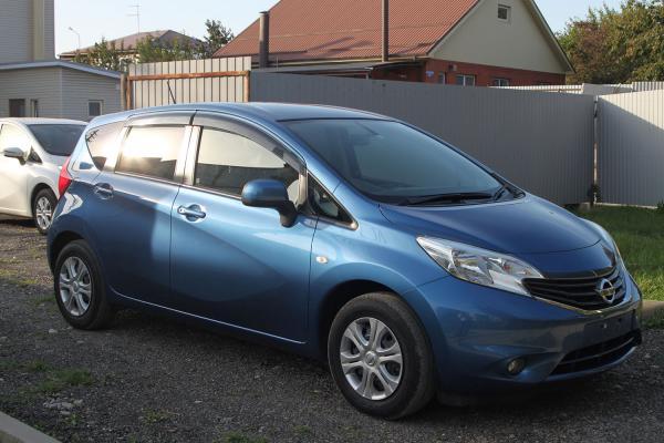 Nissan Note синий