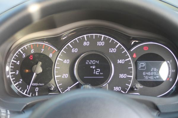 Nissan Note 2014 спидометр