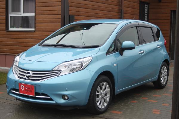Nissan Note 2014 голубой перед