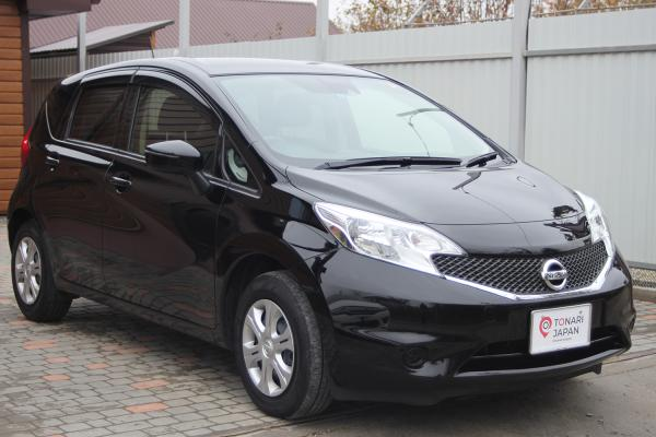 Nissan Note 2015 чёрный