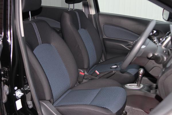 Nissan Note 2015 передние сидения