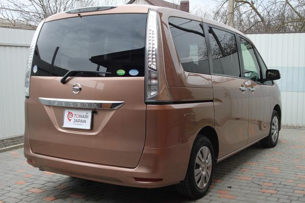 Nissan Serena 2016 коричневый сзади