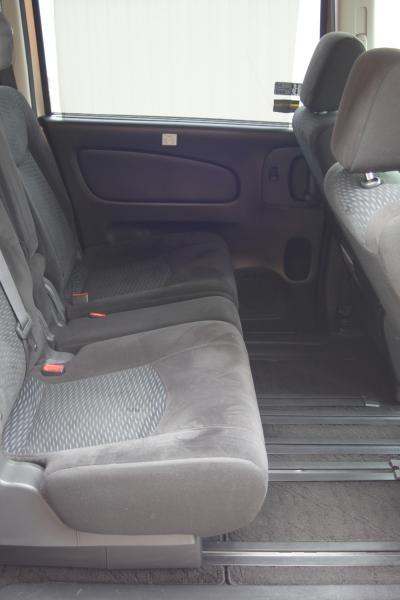 Nissan Serena 2016 внутри