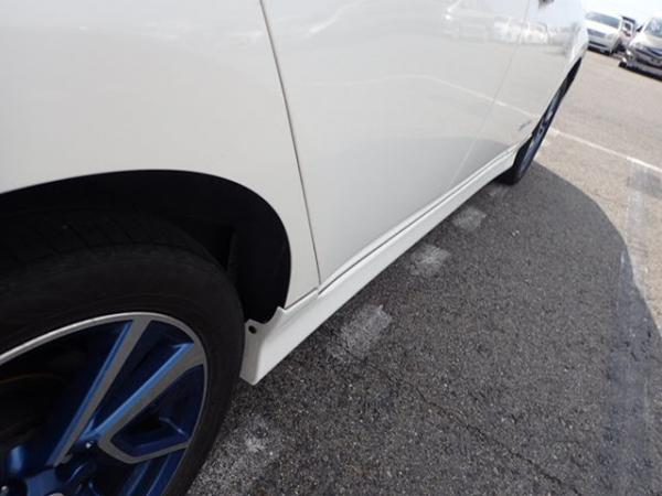 Nissan Leaf 2014 белый колесо