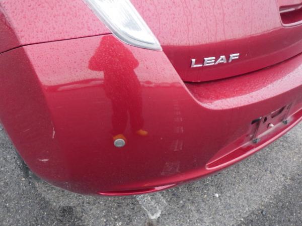 Nissan Leaf 2015 красный задняя фара