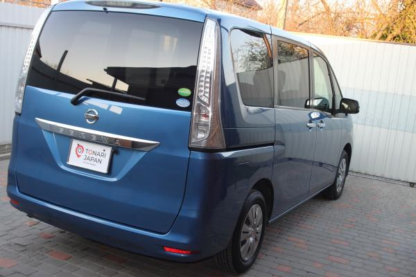 Nissan Serena 2016 синий сзади