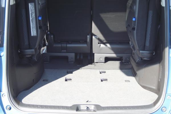 Nissan Serena 2016 синий багажник