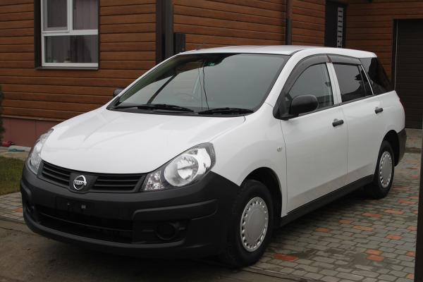 Nissan AD 2014 белый спереди