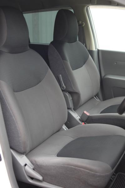 Nissan AD 2014 передние сидения