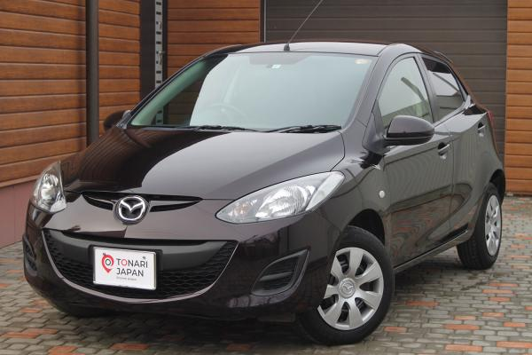 Mazda Demio 2015 коричневый спереди