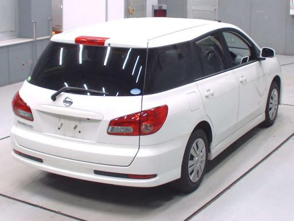 Nissan Wingroad 2016 белый вид сзади