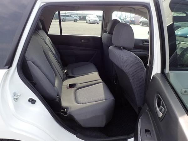 Nissan Wingroad 2016 белый задние сидения
