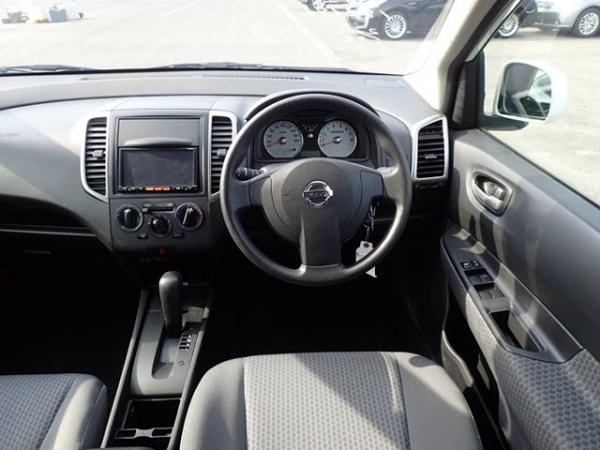 Nissan Wingroad 2016 салон