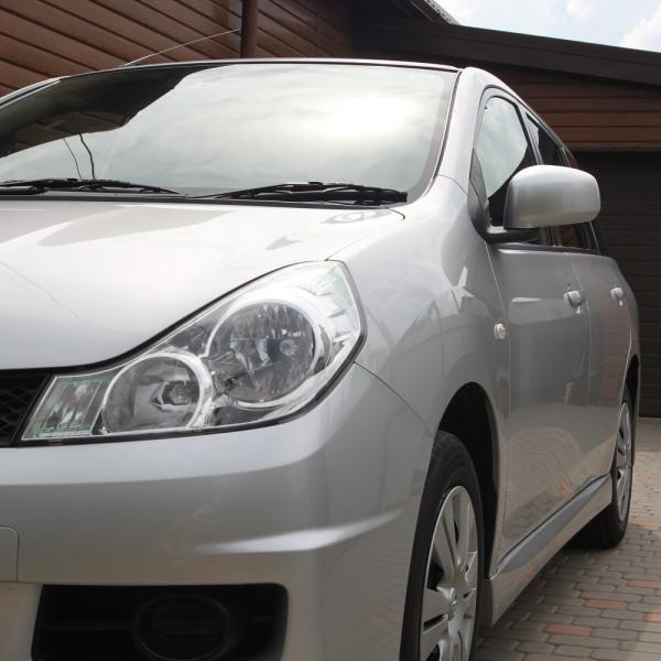 Nissan Wingroad серый передняя фара