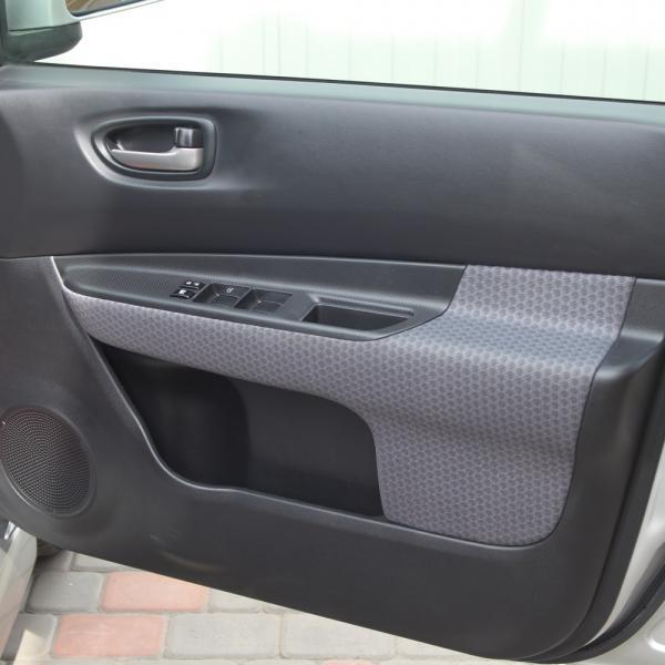 Nissan Wingroad 2016 серый дверь