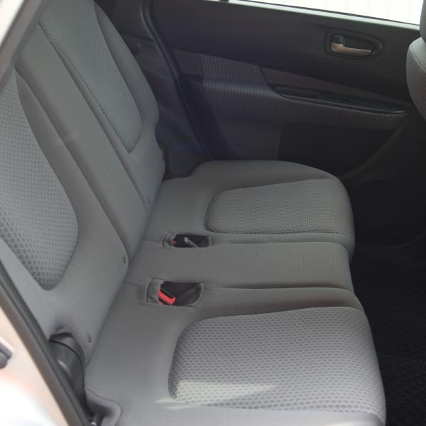 Nissan Wingroad 2016 сидения