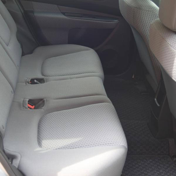 Nissan Wingroad 2016 задние сидения