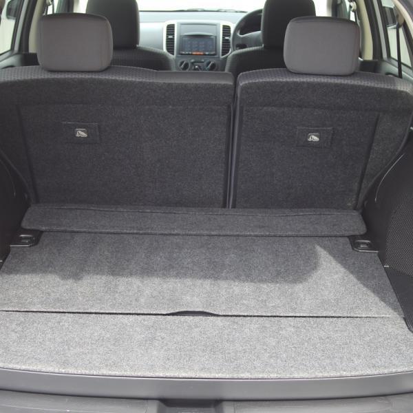 Nissan Wingroad 2016 серый багажник