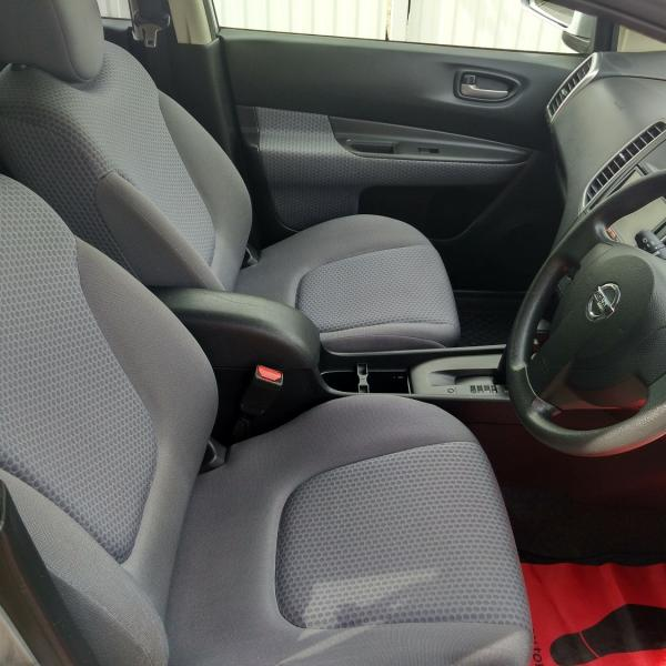 Nissan Wingroad 2016 интерьер