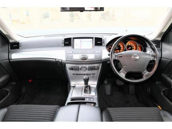 Nissan Fuga 2004 салон