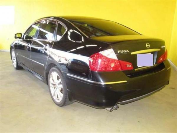 Nissan Fuga 2004 чёрный сзади