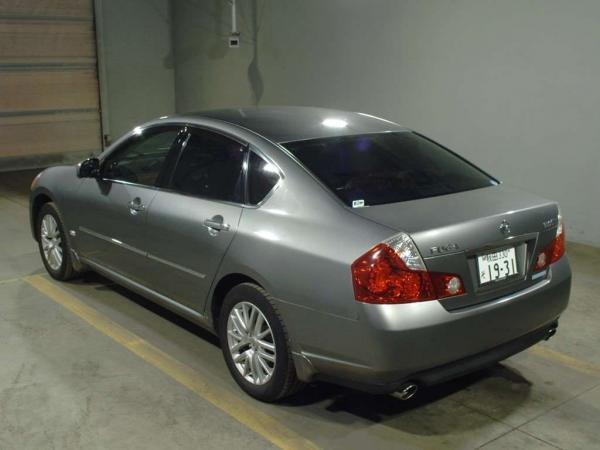 Nissan Fuga 2004 серый сзади