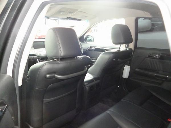 Nissan Fuga 2004 задние сидения
